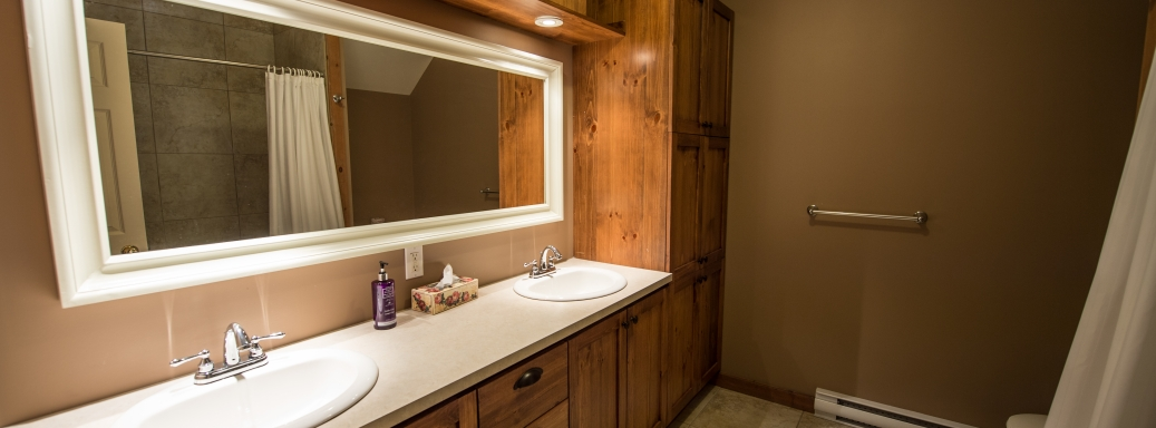 Bathroom at the Charlevoix cottage
