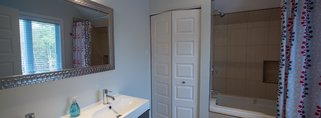 bathroom condo in charlevoix