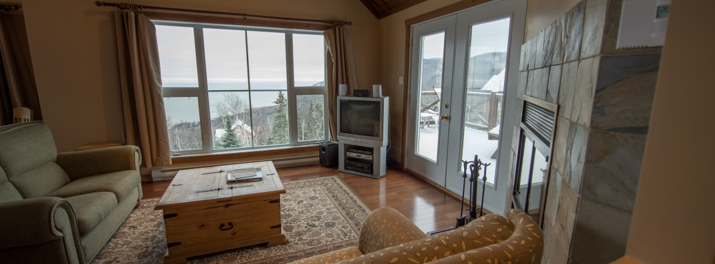 Living room ski Charlevoix