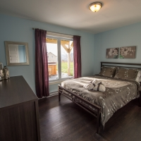 2nd queen bedroom from chalet petite-rivière-st-françois in charlevoix
